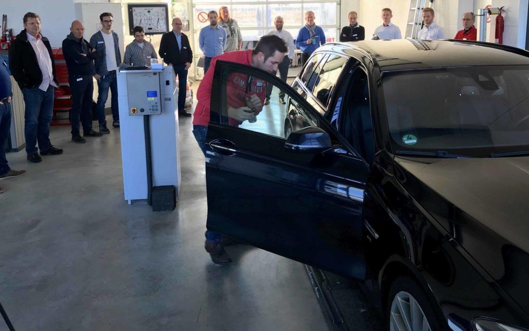 Beim Vertriebsevent von autoiXpert in Nersingen nahm auch die ADELTA.FINANZ AG als Kooperationspartner teil. Sie bietet Factoring für Gutachter.