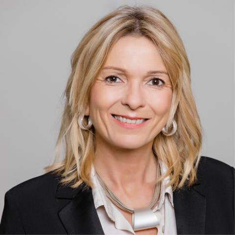 Kerstin Bludau ist Verwaltungsassistentin bei der ADELTA.FINANZ AG.