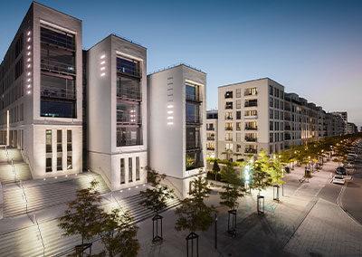 Die ADELTA.FINANZ AG bietet Factoring für das Handwerk und Bestatter. Das Bild zeigt das Bürogebäude in Düsseldorf in der Außenansicht.