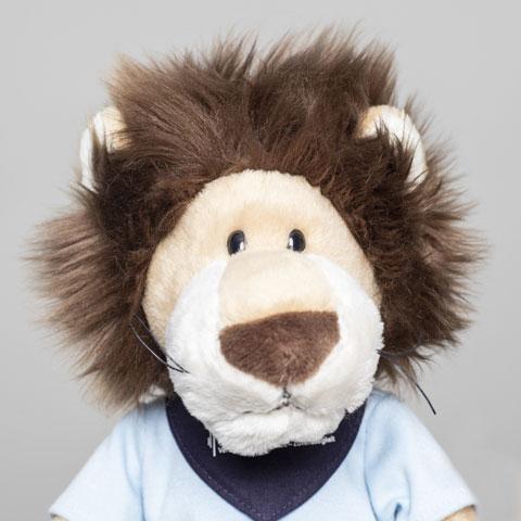 Zum ADELTA.Team gehört auch das ADELTA.Maskottchen Leo Löwe.